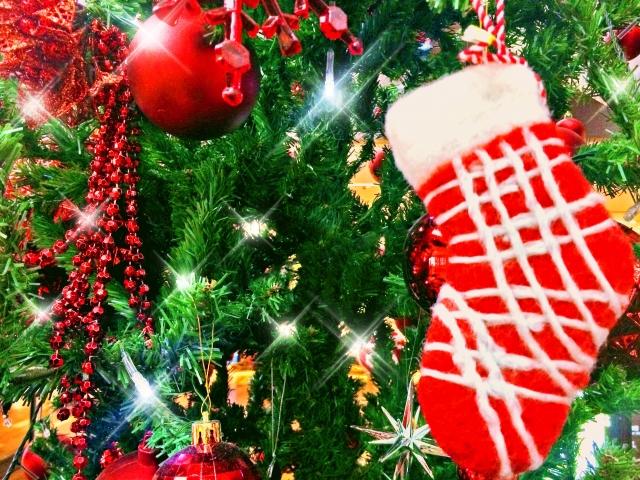 36027ea20e3192215618062a3cc16a03_s クリスマスツリーオーナメントの意味を知る→10倍楽しくなる!